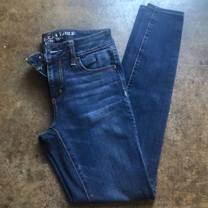 American Eagle skinny jeans. Size 4.